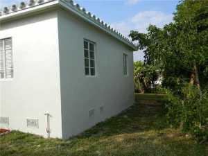 345 NE 111 St, Miami FL 33161