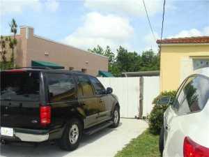 325 SW 63 Ave Miami, FL 33144