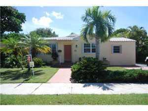 810 NE 88 St, Miami, FL