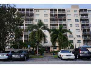 1251 NE 108 St #815, Miami, FL 33161