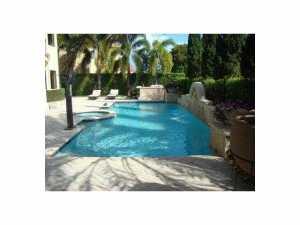 7956 SW 195 Ter, Miami FL 33157