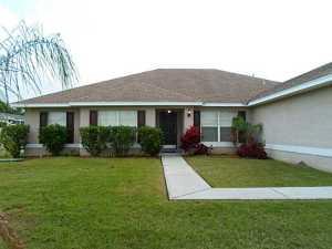 1018 SW Facet Ave, Port Saint Lucie, FL 34953