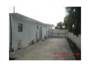 10201 SW 37 St, Miami FL 33165