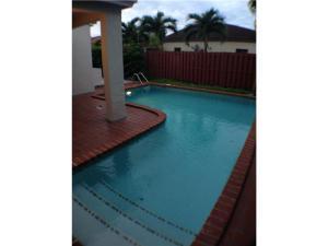 519 SW 88 Pl Miami, FL 33174
