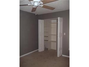 2994 Oaktree Ln #APT 336, Hollywood FL 33021