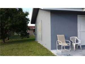 16970 SW 100 Ct, Miami FL 33157