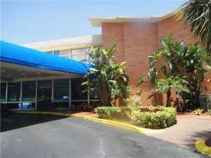26 Diplomat Pw #2321, Hallandale, FL 33009