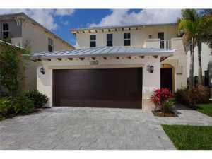 7000 NW 104 Ct, Miami, FL 33178