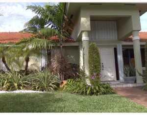 9021 NW 152 St, Hialeah, FL 33018