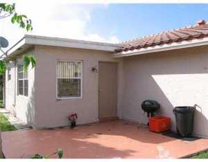 8204 NW 92nd Ter, Fort Lauderdale FL 33321