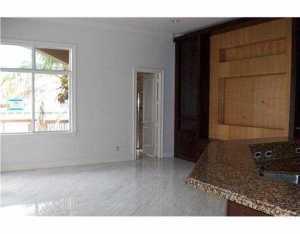 1305 Hatteras Ct, Hollywood FL 33019
