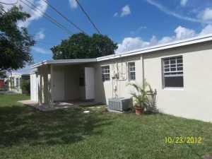 9990 SW 49th St, Miami FL 33165