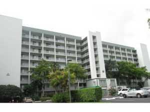 2240 N Cypress Bend Dr #APT 104, Pompano Beach FL 33069