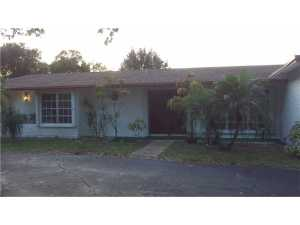 695 SW 65th Ave, Pompano Beach, FL