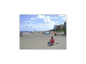 3222 NE 16th St #APT 3208, Pompano Beach FL 33062