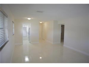 515 S Crescent Dr #APT 110, Hollywood FL 33021
