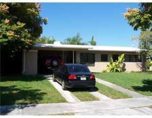 9395 Jamaica Dr, Miami, FL 33189