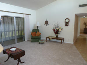 2671 Boundbrook Blvd #APT 121, West Palm Beach FL 33406