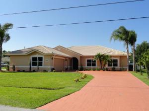 6031 NW Flair Ct, Port Saint Lucie FL 34986