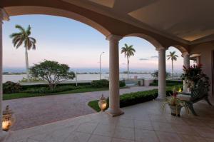 6709 S Flagler Dr, West Palm Beach FL 33405