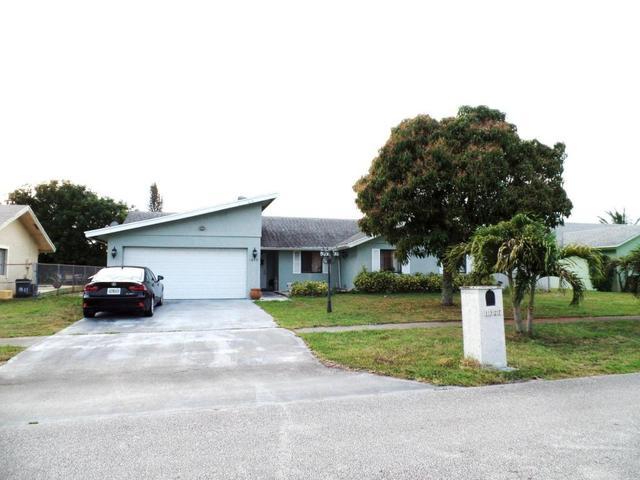 1327 Scottsdale Rd, West Palm Beach, FL 33417