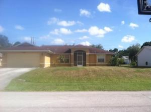 1026 SW Charcoal Ave, Port Saint Lucie, FL