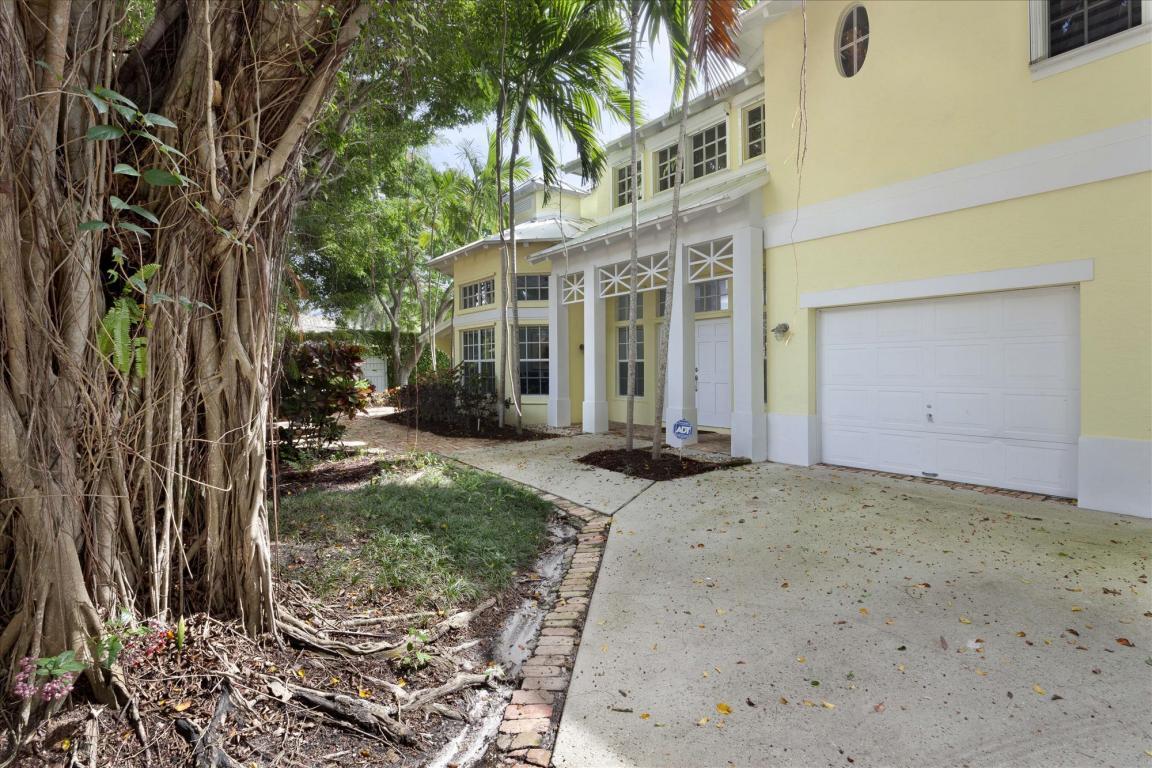 890 Periwinkle Street, Boca Raton, FL 33486