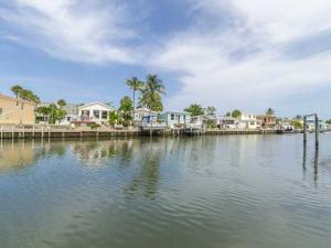10701 S Ocean Apt 865 Dr, Jensen Beach, FL