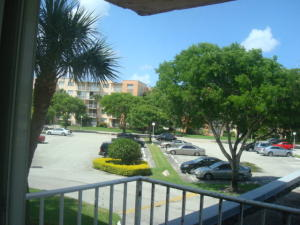 500 Executive Center Dr #APT 2k, West Palm Beach, FL