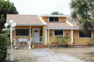 5239 Club Rd, West Palm Beach, FL