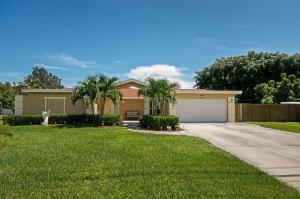 6906 Eastview Dr, Lake Worth, FL