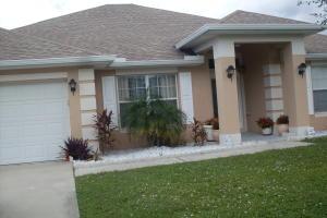 1009 SW Mantilla Ave, Port Saint Lucie, FL