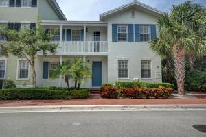 1028 E Heritage Club Cir, Delray Beach, FL