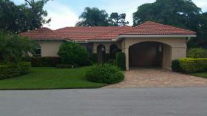 9 Fairway Dr, Boynton Beach, FL 33436