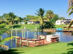 682 SE Degan Dr, Port Saint Lucie, FL