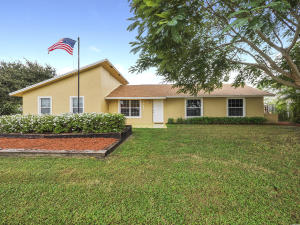 19681 SE County Line Rd, Jupiter, FL