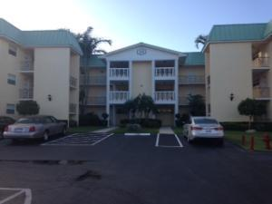 15 Colonial Club Dr #301, Boynton Beach, FL 33435