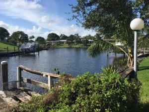 694 SE Degan Dr, Port Saint Lucie, FL