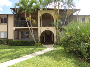112 Lake Pine Cir #APT d-2, Lake Worth, FL
