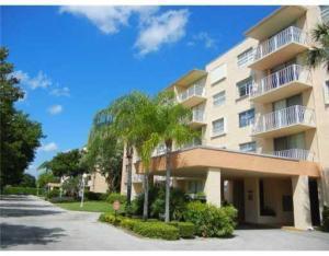 480 Executive Center Dr #APT 1-j, West Palm Beach, FL