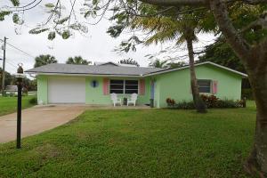 110 Riverview Dr, Jensen Beach, FL