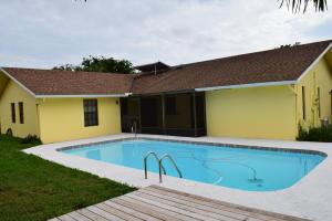 3059 Tropical Trl, Lake Worth, FL