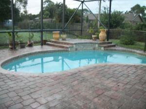 1025 Mantilla Ave, Port Saint Lucie, FL