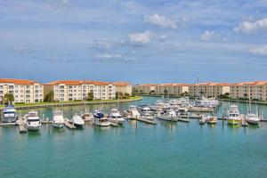 11 Harbour Isle Dr #APT 204, Fort Pierce FL 34949