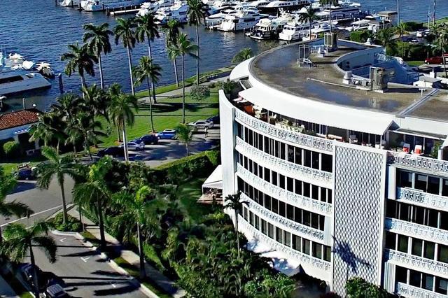 389 S Lake Dr #4C, Palm Beach, FL 33480