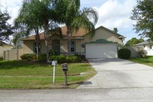1562 SW Curtis St, Port Saint Lucie, FL