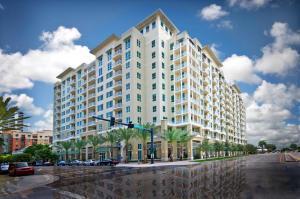 480 Hibiscus St #APT 236, West Palm Beach FL 33401