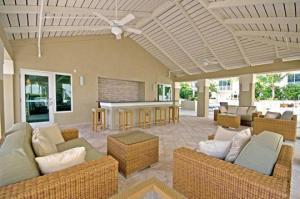 480 Hibiscus St #APT 503, West Palm Beach FL 33401