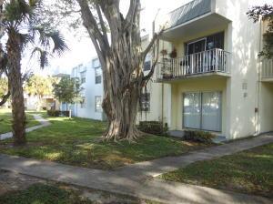 437 Executive Center Dr #APT 103, West Palm Beach FL 33401