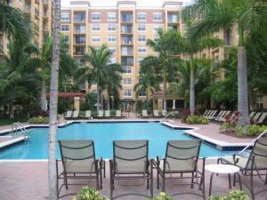 1805 N Flagler Dr #APT 309, West Palm Beach FL 33407